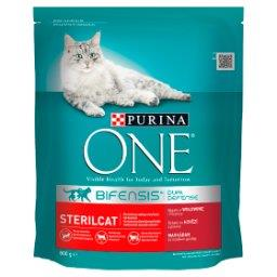 Sterilcat Pełnoporcjowa karma dla dorosłych kotów bogata w wołowinę i pszenicę