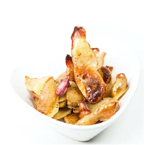 Cascas de batata assadas c/ alho e pimenta